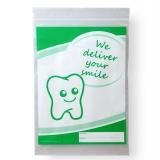 Dentalbeutel wei� eingef�rbt We deliver your smile  gr�n  LDPE 50 my 180 x 250 + 230 mm  1000 St�ck